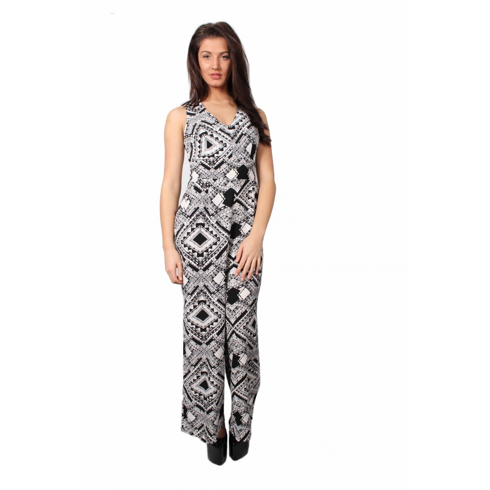 Find black and white jumpsuit at ShopStyle. Shop the latest collection of black and white jumpsuit from the most popular stores - all in one place.
