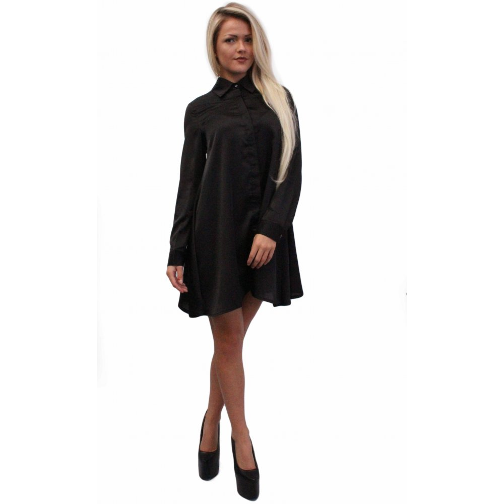 With our sassy selection of shirt dresses to take you from an effortless day edge to making an entrance at the cocktail bar we have the lust-have shirt styles for you. In fierce cuts from clean, long sleeved or button up shirt dress we have that knockout shirt dress to give you a chic look. Black Studded Long Sleeve Shirt Dress $