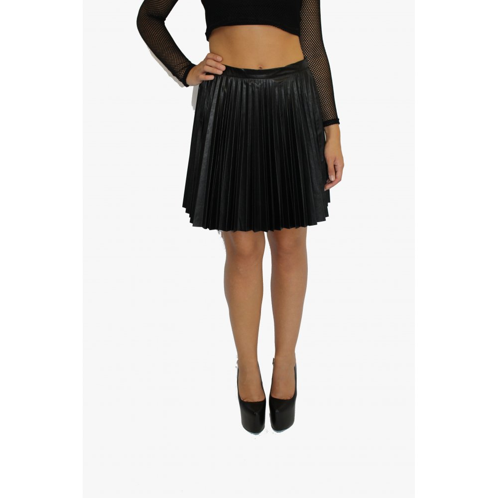 Product Features Stretchy fabric for comfortable fit,skater skirt with an elastic inner band.