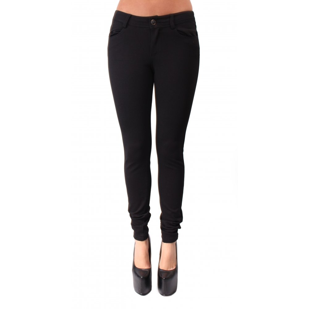 Free shipping and returns on Women's Black Wash Skinny Jeans at dexterminduwi.ga